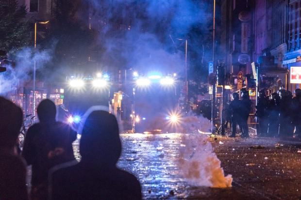 Fotos aus dem Schanzenviertel in Hamburg in der Nacht von Samstag zu Sonntag zum G20 Gipfel.